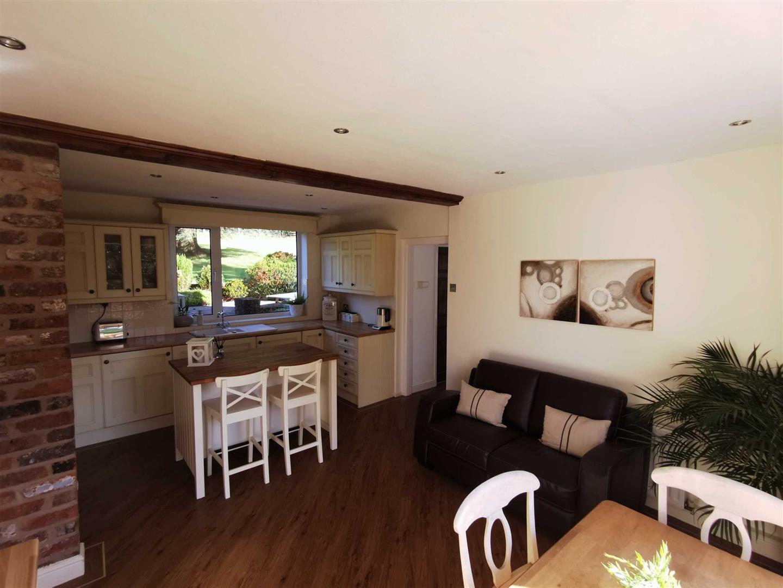 4 Bedroom Semi Detached Cottage For Sale - Image 14